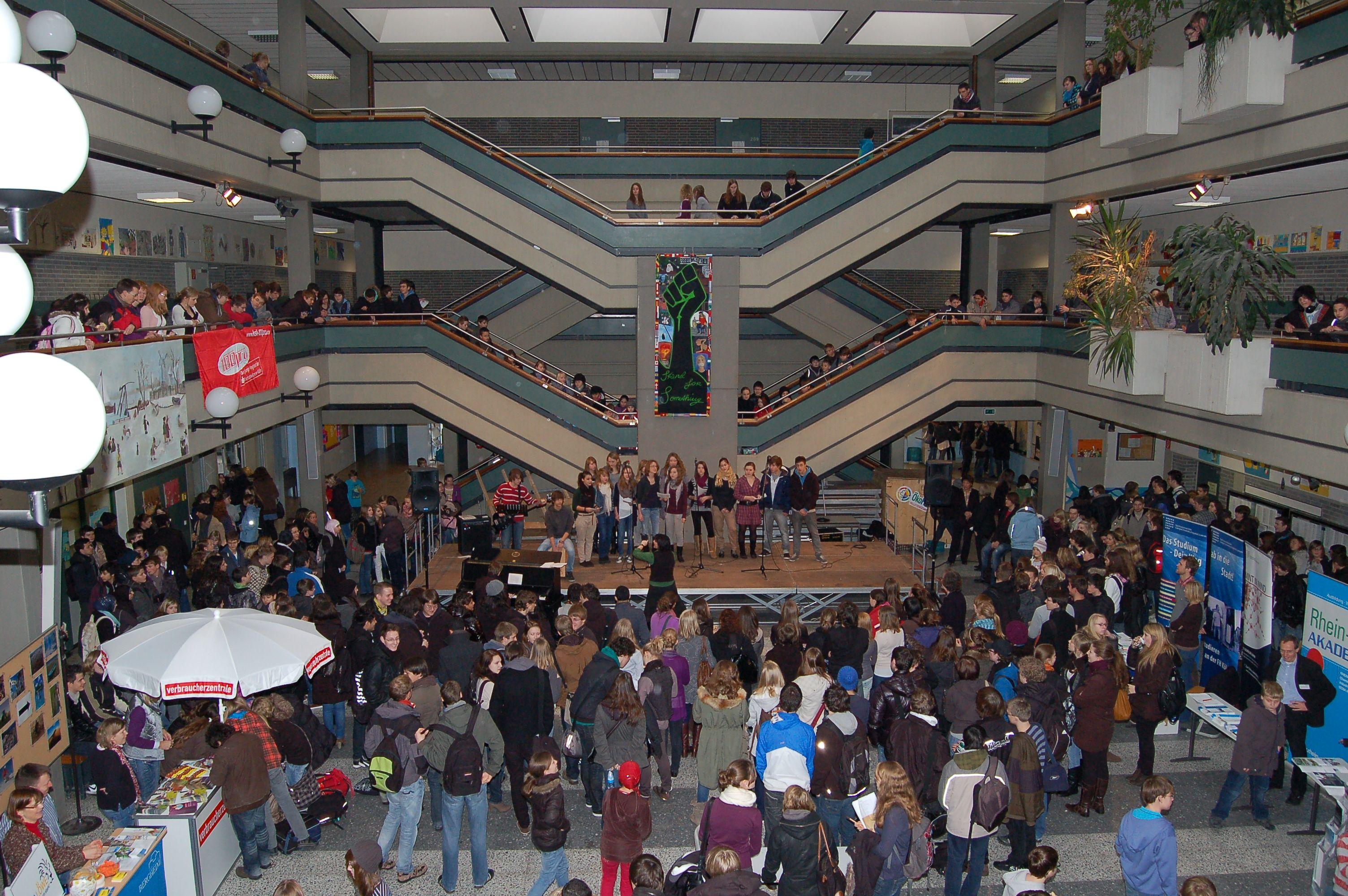 10.12.2010_Tag_der_Energie_und_Menschenrechte (39)
