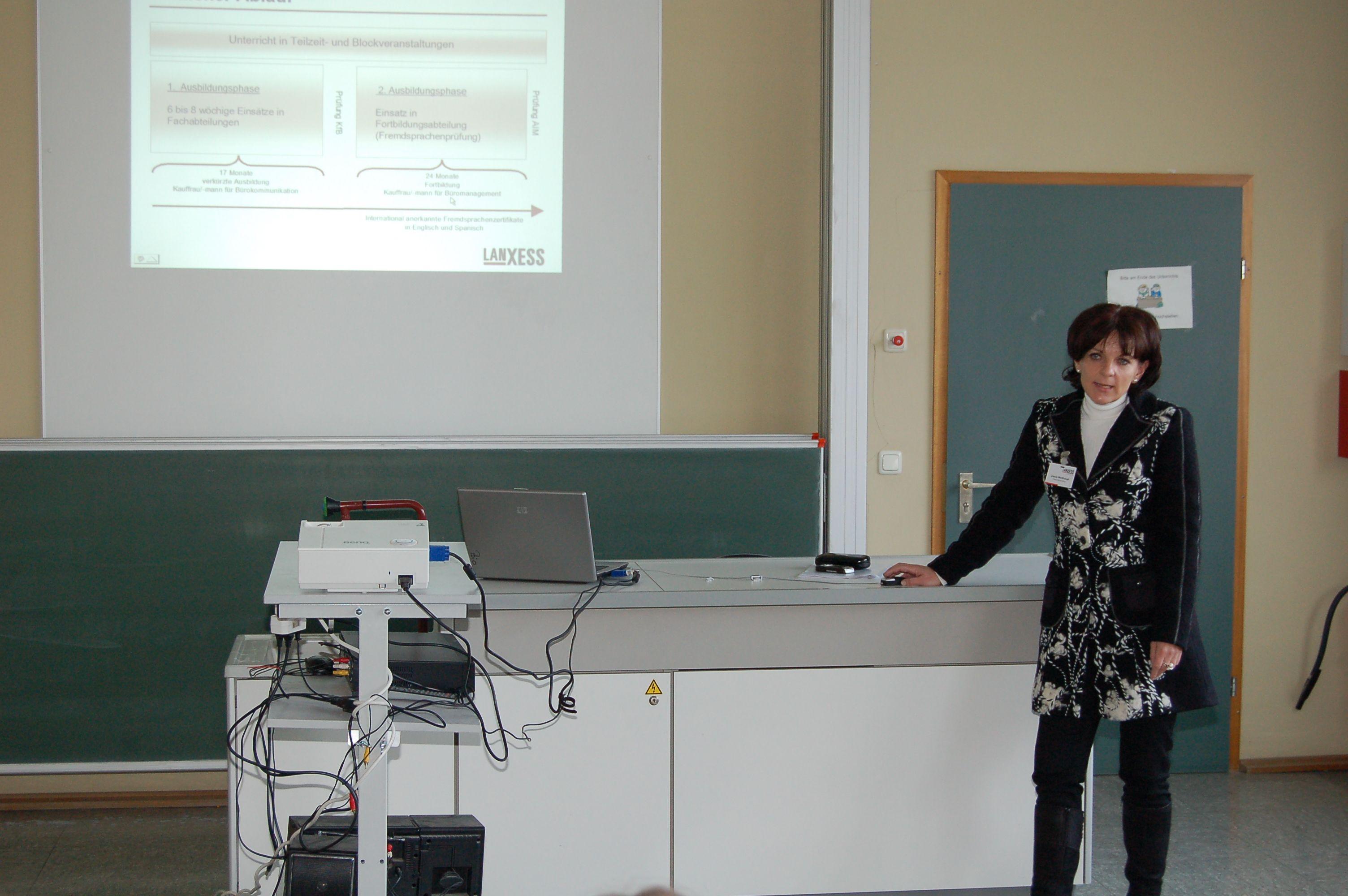 10.12.2010_Tag_der_Energie_und_Menschenrechte (69)