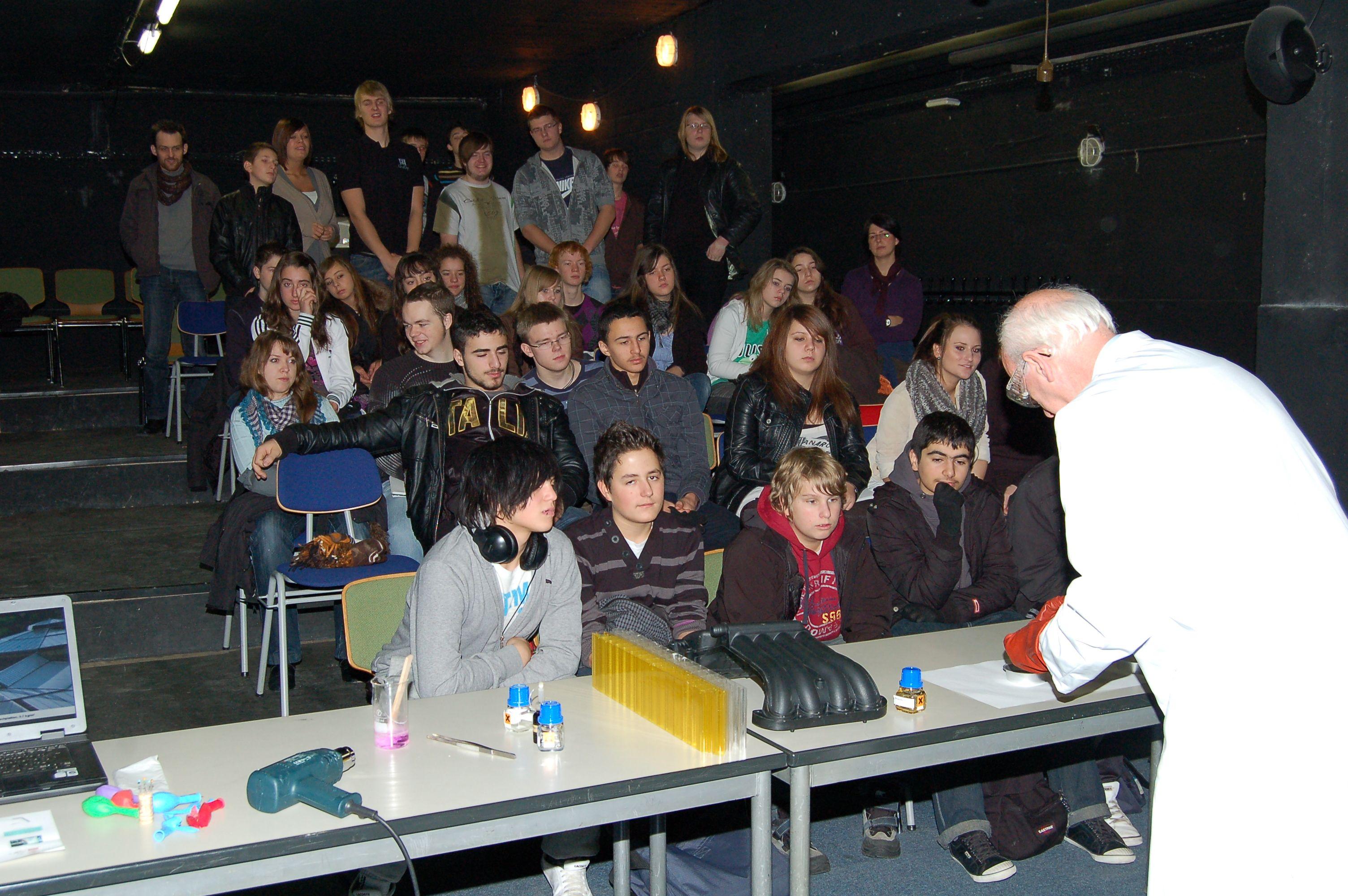 10.12.2010_Tag_der_Energie_und_Menschenrechte (74)