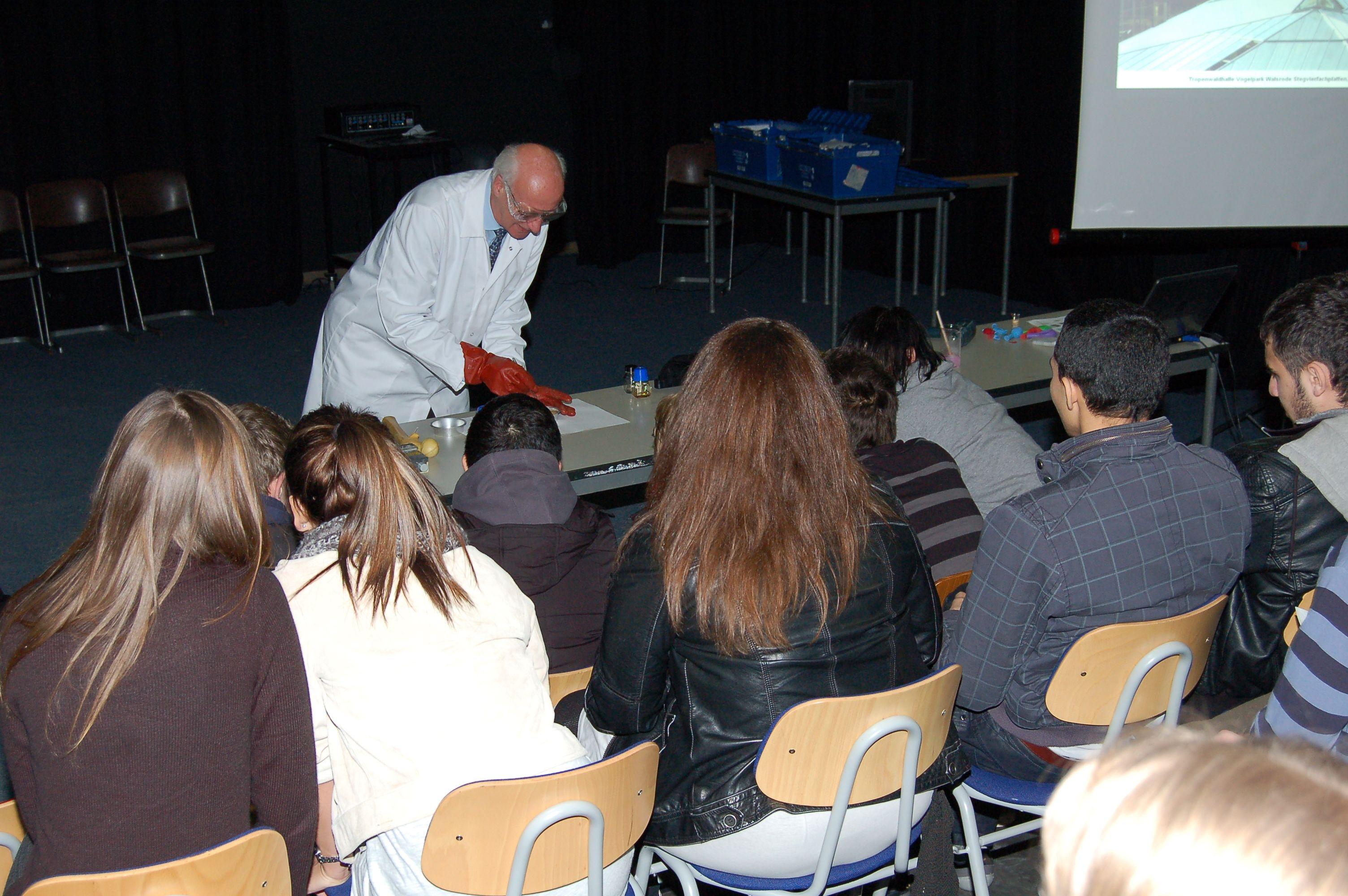 10.12.2010_Tag_der_Energie_und_Menschenrechte (77)
